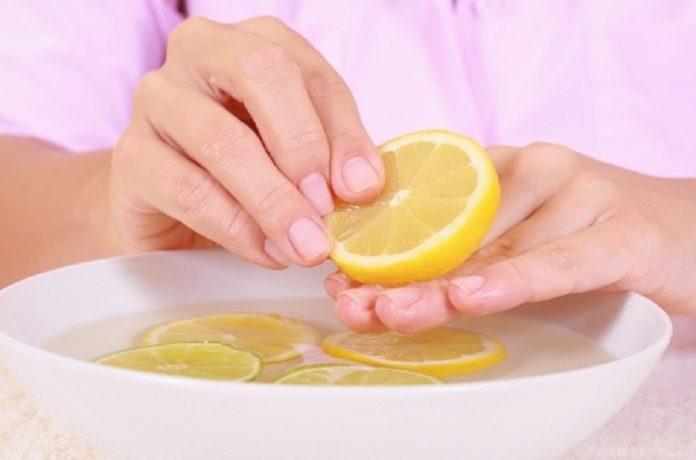 Come eliminare l'odore di candeggina