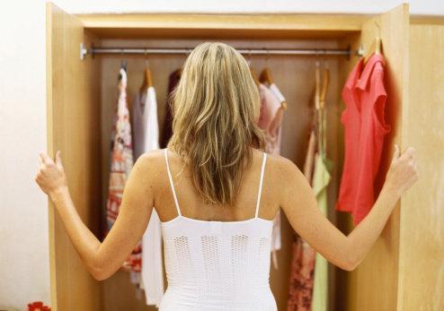 eliminare l'odore dai mobili