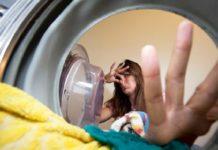 eliminare l'odore di umido dalla biancheria