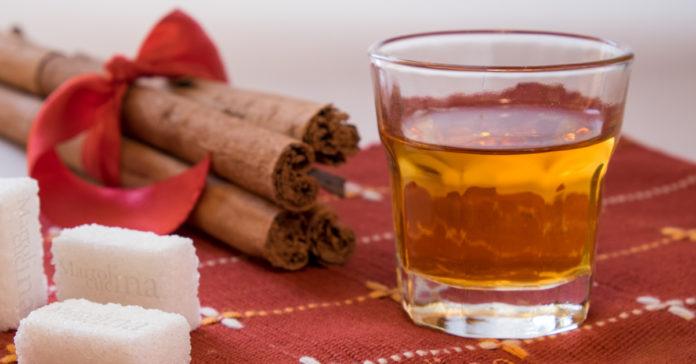 Cannellino liquore alla cannella
