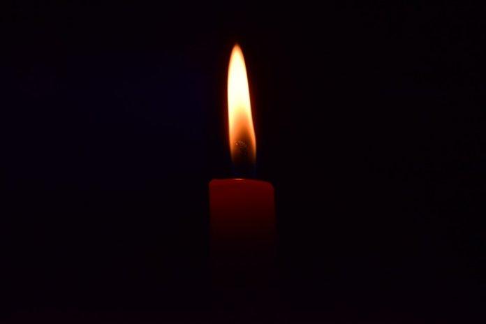 Come predire con la fiamma di una candela