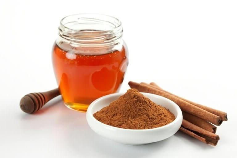 Come eliminare i brufoli Miele e cannella