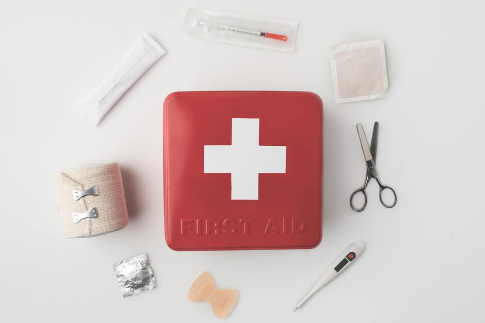 Cosa tenere armadietto dei medicinali - kit